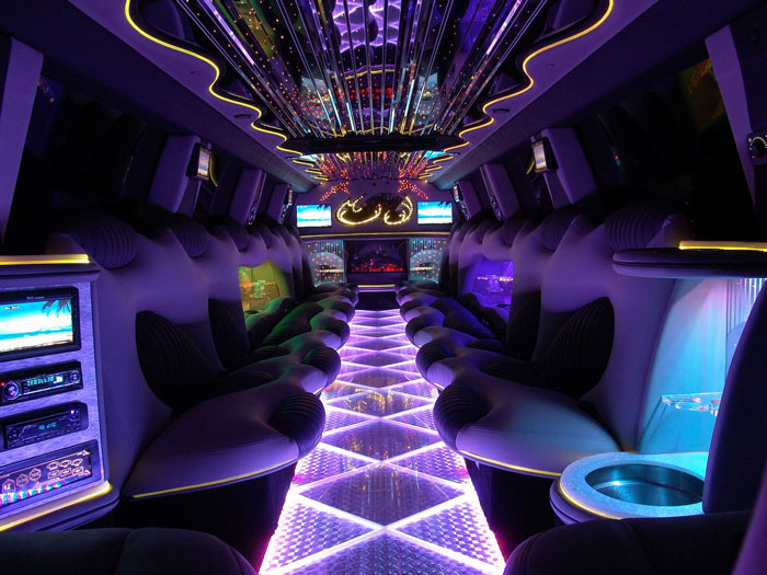 Cadillac escalade limo los angeles suv limo for Interieur limousine
